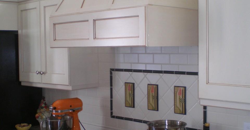 Kitchen - Knotty Alder with White Glaze