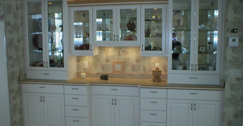 Kitchen - White Foiled with Oak Trim