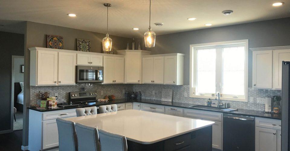 23-Kitchen_white_cabinets